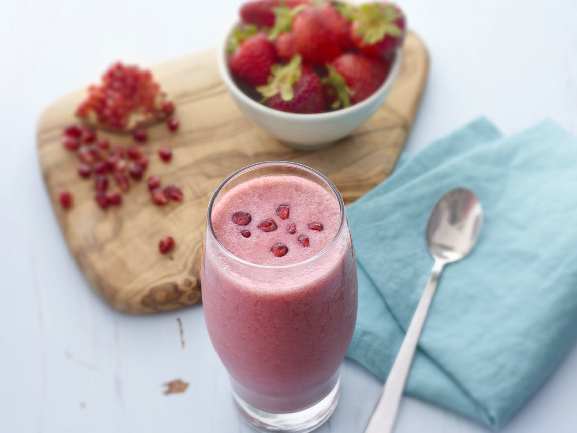 Strawberry Pomegranate Smoothie | Silk
