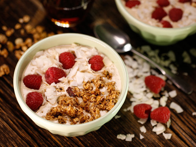 Oatmeal Cookie Smoothie Bowl